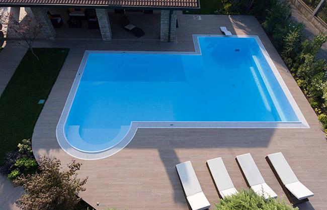 piscina-lago-di-garda1
